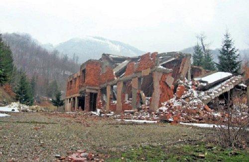 Karaula Košara uništena NATO bombama, Foto:crveneberetke.com