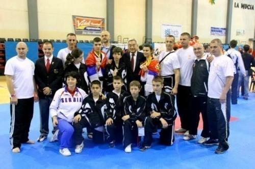 Четири одличја на Отвореном првенству Карловца