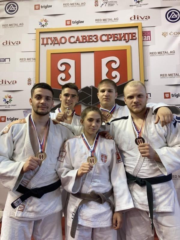 "Niški ""Kinezis"" najbolja ekipa na Prvenstvu Srbije za juniore"