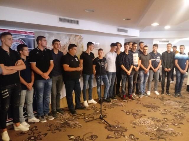 """Младе снаге у првом тиму КК """"Константин"""""""