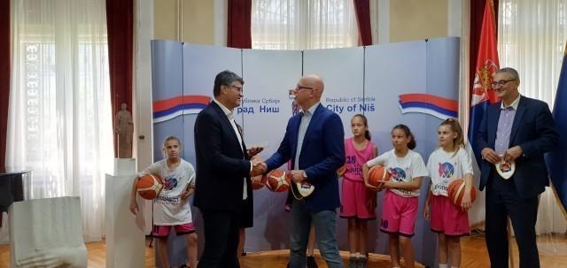 Prijemi za učesnike EP u košarci za žene u Gradskoj kući u Nišu