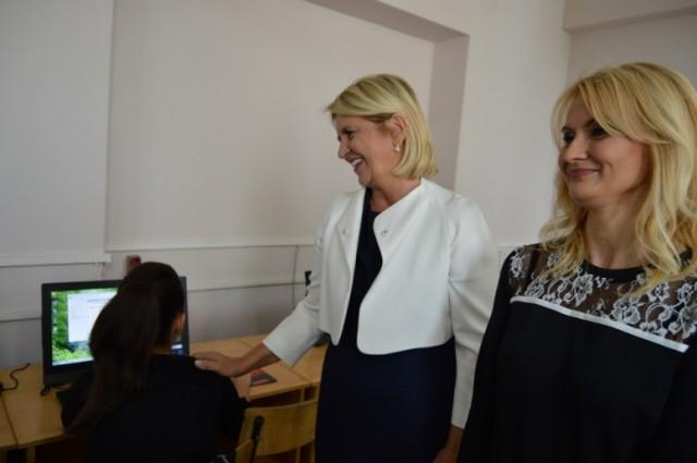 """Fondacija """"Dragica Nikolić"""" donirala Gimnaziji u Leskovcu 25 novih računara"""