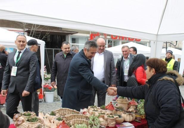 У Врању одржан први Међународни саjам лековитог, зачинског, украсног биља и пчелињих производа