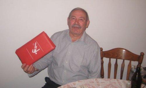 Dragoljub Vidanović sa svojim specijalnim jastučetom