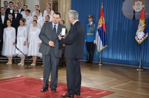 Pčelar iz Aleksinca odlikovan zlatnom medaljom predsednika Republike