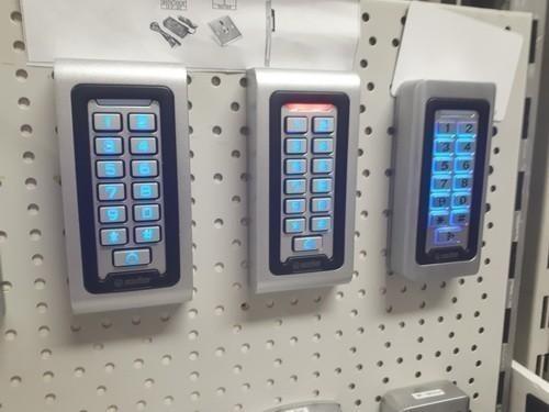Ulazak bez korišćenje ključa - Kontrola pristupa