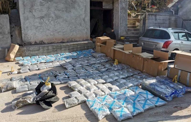 У кући старијег мушкарца из околине Ниша пронађено 220 килограма марихуане