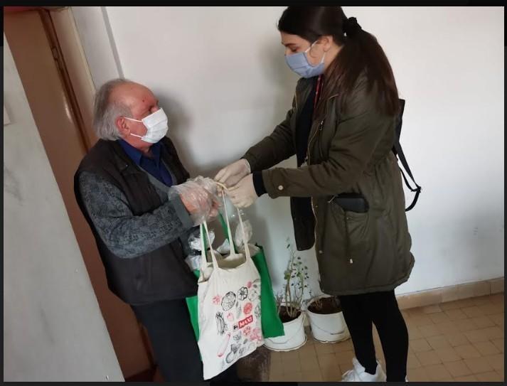 Волонтери са Медијане и викендом на свом хуманом задатку