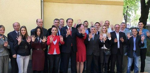 """Ранораниоци: """"ИСКРЕНО ЗА МЕДИЈАНУ, ИСКРЕНО ЗА НИШ"""" - 9, на челу са Срђаном Алексићем, представила своје кандидате"""