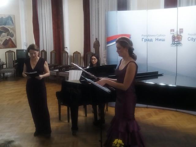 Милица Лундин (лево), Фото: Јужна Србија