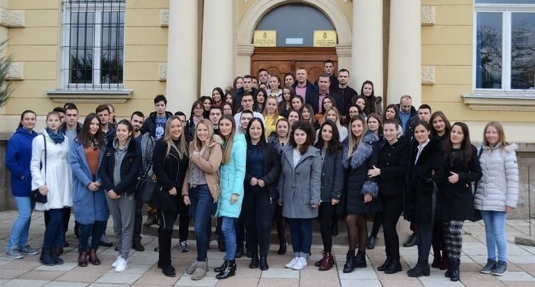 По 30 хиљада за најбоље студенте у Прокупљу