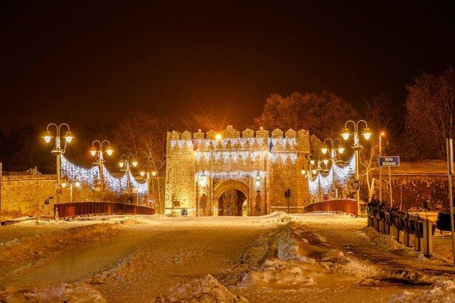 Нишка тврђава обасјана божићним снегом, Фото: Саша Петровић