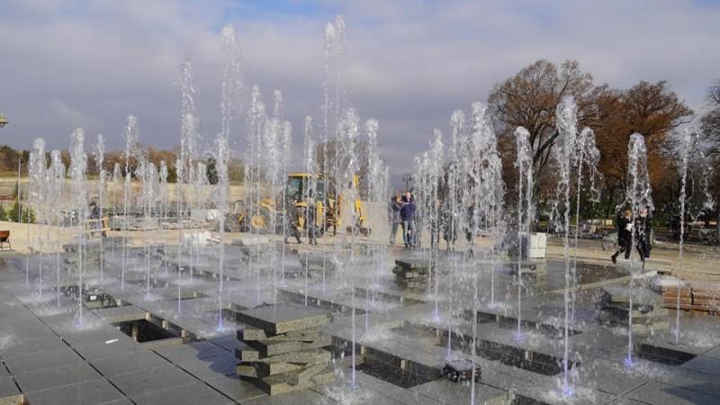Завршена фонтана код Тврђавског моста - почео пробни рад