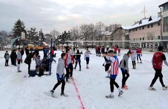 Одбојка на снегу у Прокупљу