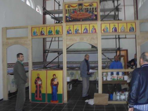 Selaković i Irinej na osvećenju zatvorske crkve u Nišu