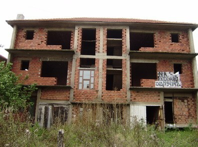 Veoma povoljno prodajem kuću u Vranju