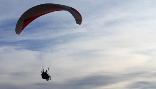 Непокретна Нишлијка скочила падобраном