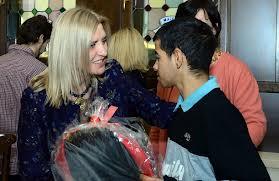 Dragica Nikolić podelila paketiće deci u Kuršumliji