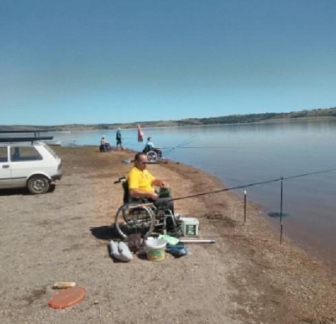 На Власинском језеру одржано такмчење особа са параплегијом у спортском риболову