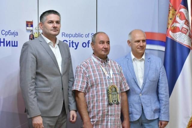 Градоначелник француске општине Монсегир Паскал Лаверњ, на отварању Нишвила