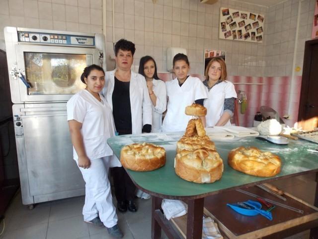 Ученици из Прокупља мајстори за славске колаче