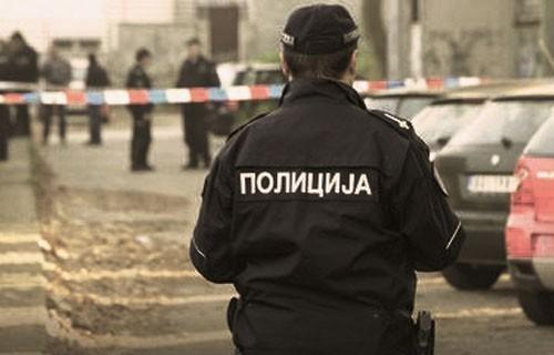 Младић и малолетник отели новац из радње у Алексинцу