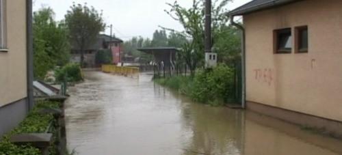 Вода се повлачи, по 100.000 динара угроженима