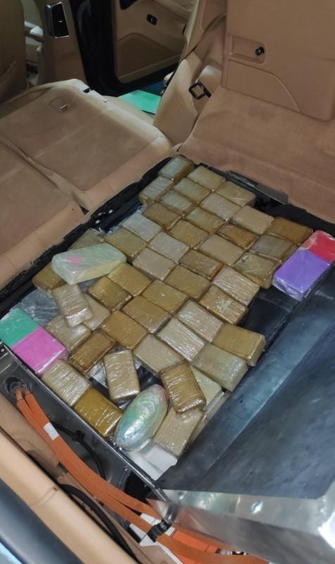 """13 kg heroina u prostoru za bateriju jednog """"Porše hibrida"""""""