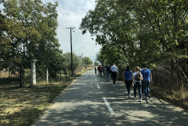 Aktivistička šetnja u cilju približavanja sela gradu