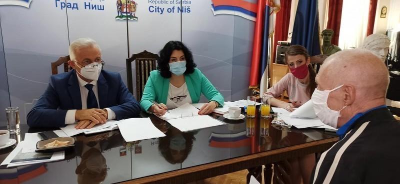 Више од 350 затражило пријем - разговор градоначелнице и сарадника са грађанима од 7 ујутру до вечерњих сати
