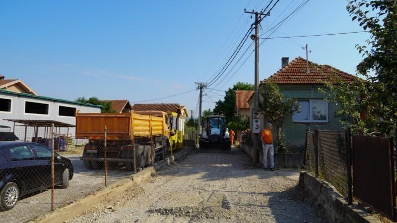 Становници Раданске улице чекали асфалтирање четири деценије