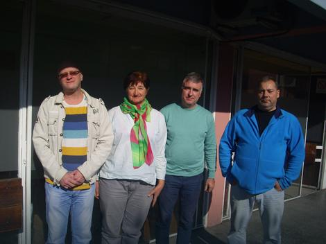 Četvoro od šestoro zaposlenih u Radio Pirotu Foto: Z. Panić, RAS Srbija