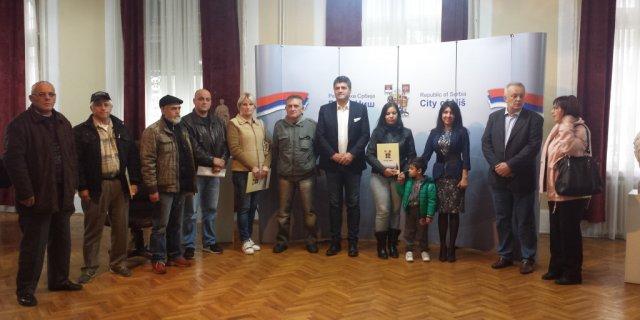Град Ниш доделио трајни смештај за 10 породица интерно расељних лица на селу