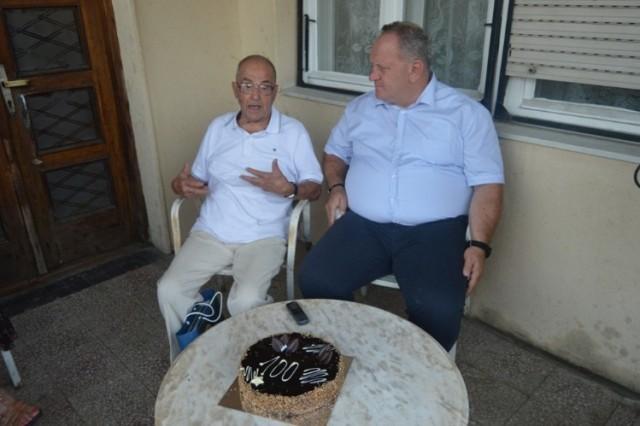Лесковчанин Александар Стојановић прославио стоти рођендан