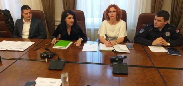 """За бољи живот Рома: Презентација програма """"Ромактед"""""""