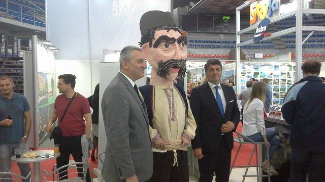 Са прошлогодишњег Сајма, Дарко Булатовић градоначелник Ниша и Урош Парлић директор ТОН-а, Фото: Јужна Србија
