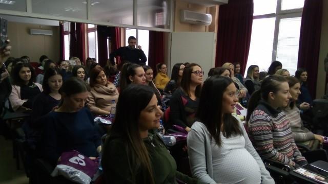 Za što više dece: Opština Medijana omogućila besplatan seminar za trudnice