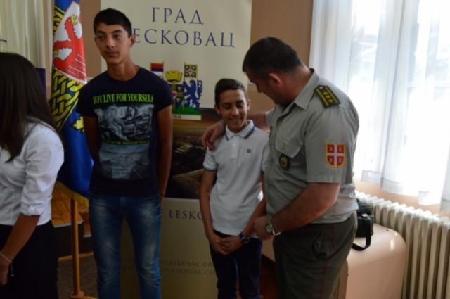 17 mladih Leskovčana odlazi na školovanje u Vojnu školu, Vojnu gimnaziju, Vojnu akademiju i na Medicinski fakultet VMA