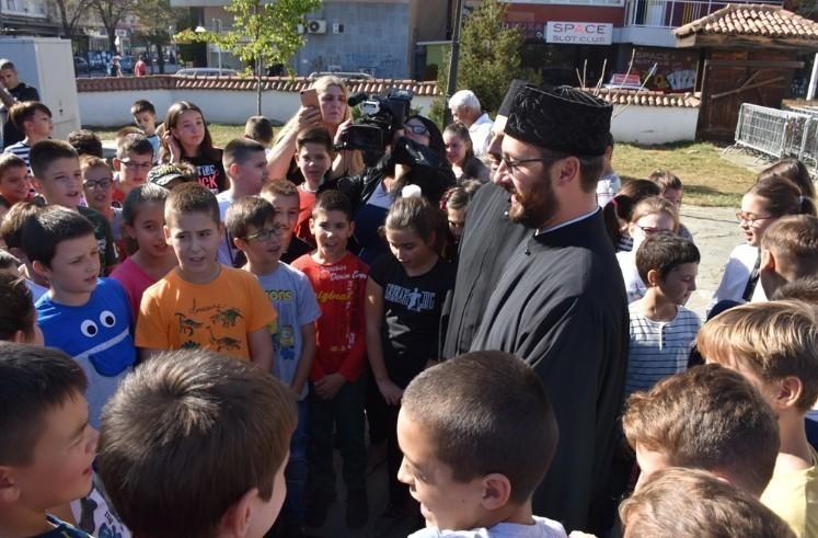 """Млади из Лесковца се упознају са вером и традицијом на манифестацији """"У сусрет славама"""""""