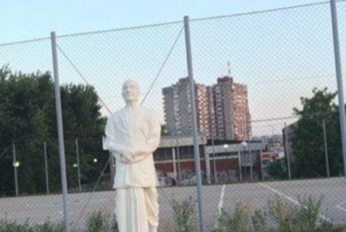 """""""Naši"""" traže uklanjanje """"sektaškog"""" spomenika u Nišu"""