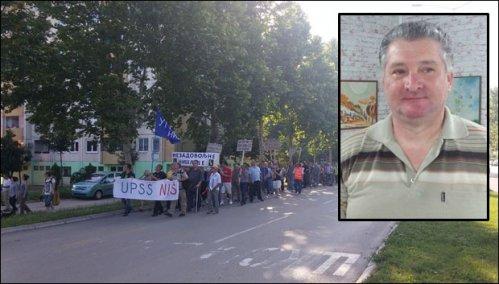 Detalj sa lanjskih protesta u gradu na Nišavi / Predsednik Saša Kostić iz UPSS. Foto: V.N.