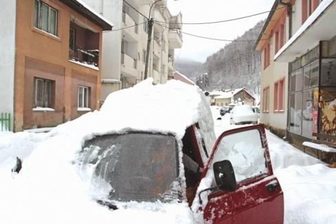 Širom Srbije kritično zbog snega