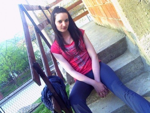 Преминула 19-годишња девојка