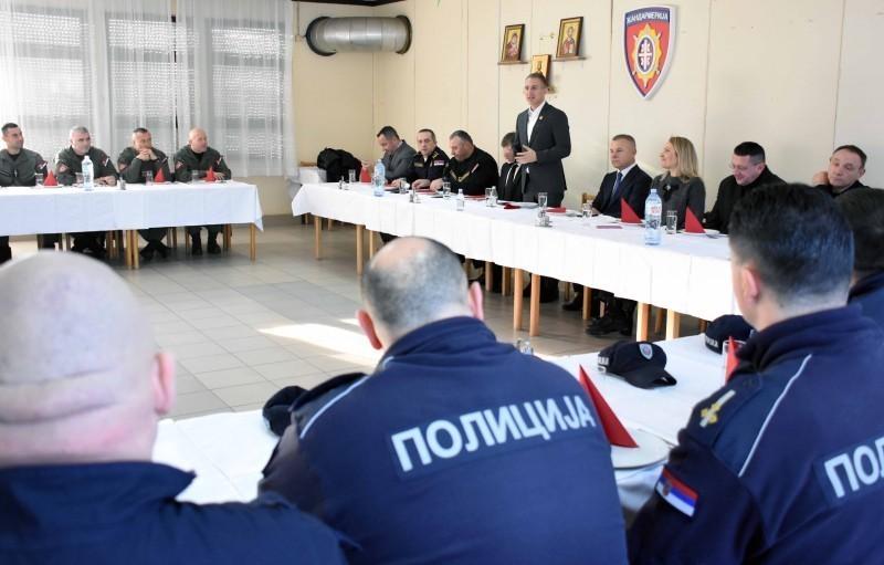 Стефановић: Полиција неуморно трага за злочинцем који је отео девојчицу Монику Каримановић