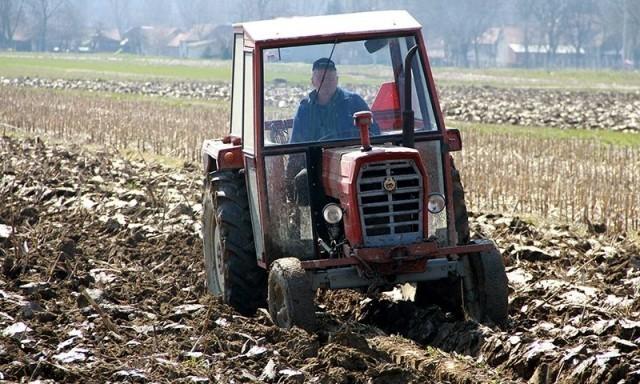 Podsticajna sredstva za novu poljoprivrednu mehanizaciju