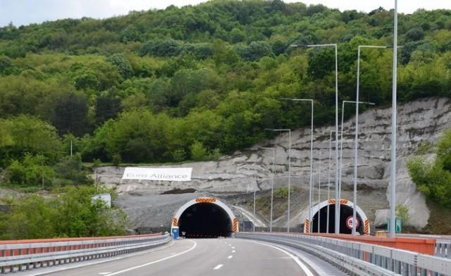 Тестирање тунела у Грделичкој клисури - затворена по једна трака