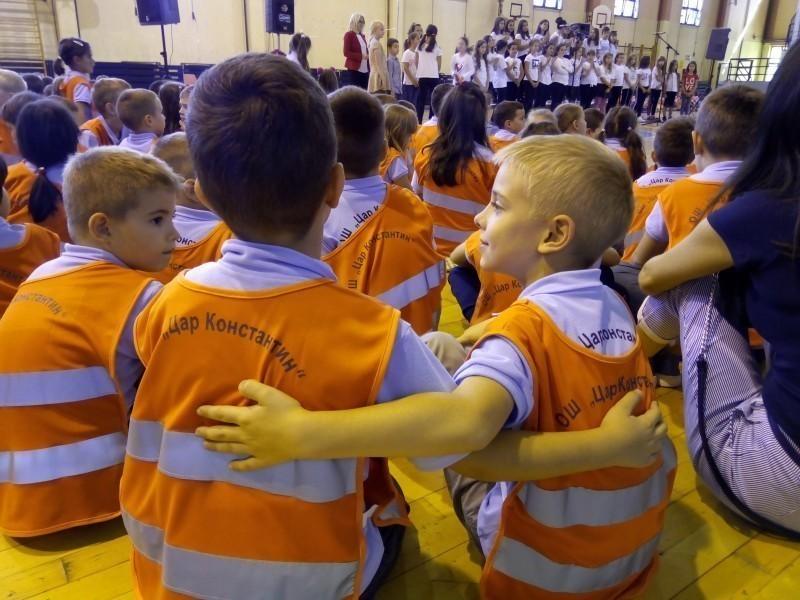 И ове године од највеће градске општине униформе за прваке десет нишких школа