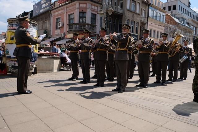 """Promenadni koncert Vojnog orkestra """"Niš"""""""