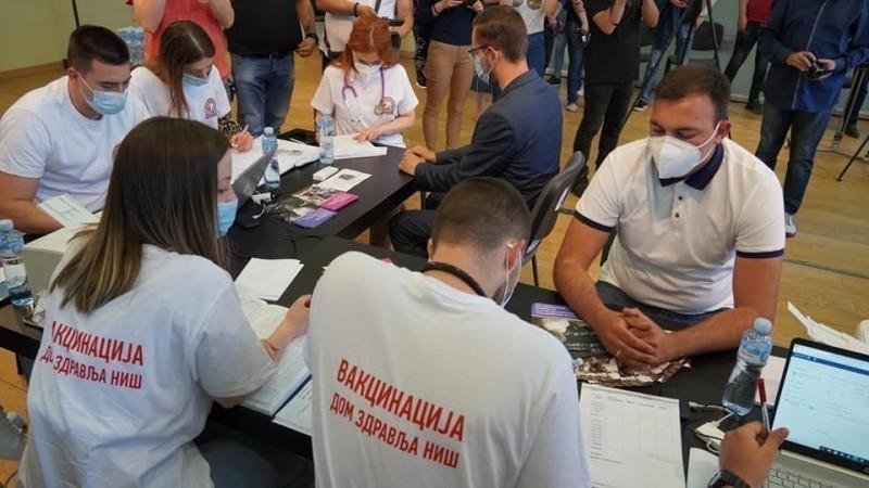 Najveći broj mladih u Srbiji vakcinisan je u Nišu