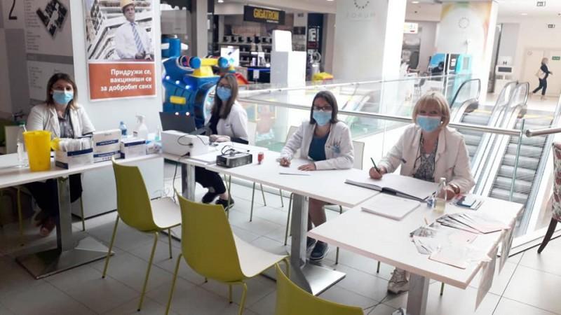 Novo radno vreme vakcinalnih punktova u niškim Tržnim centrima